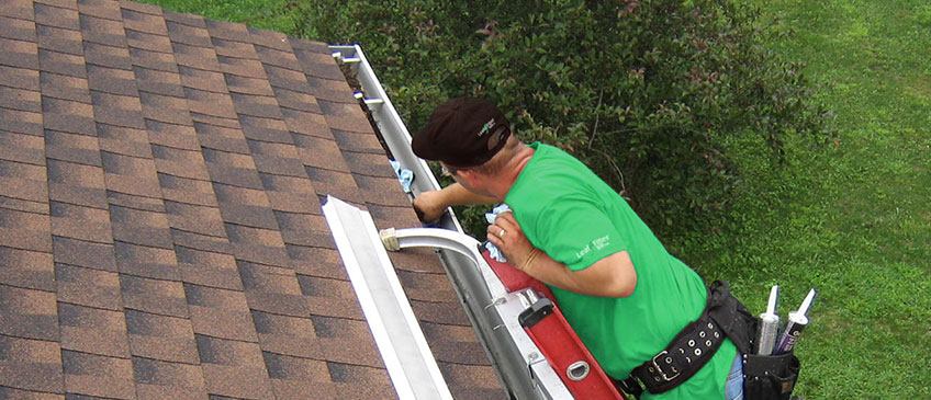 5 Reasons To Hire Professional Gutter Cleaners